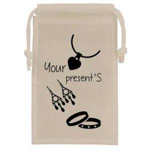 bolsa tela + joyeria blanca